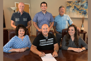 Lore Family signs with Horizon Records